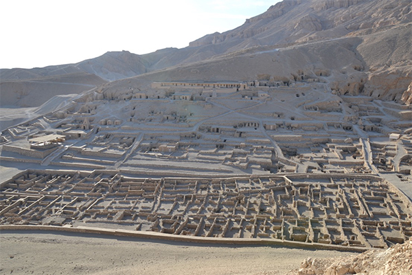 Village Life of Royal Tomb Builders: The Latest French Excavations at Deir el-Medina, Egypt