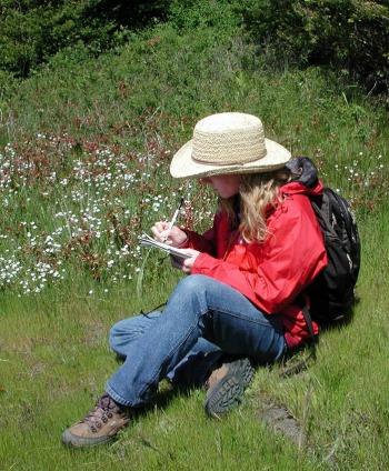 UW Botanic Gardens: Citizen Scientists Take on Invasive Plants!