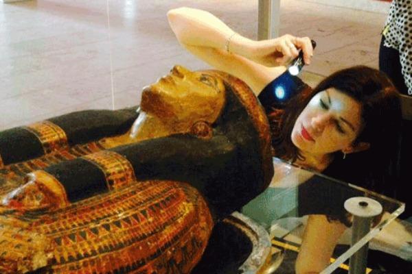 Kara Cooney, Egyptologist:  When Women Ruled the World