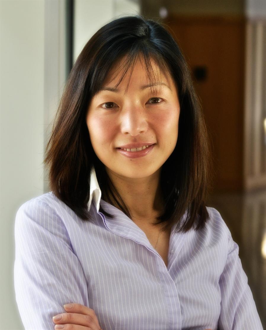 Akiko Headshot