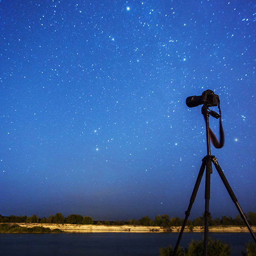 Photo 101: Night Photography and Tripods