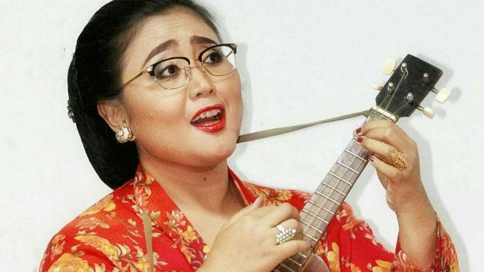 Demonstration: Popular Music from Java: Keroncong