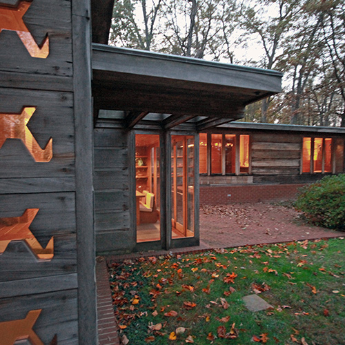 Frank Lloyd Wright: Affordable Homes for Americans