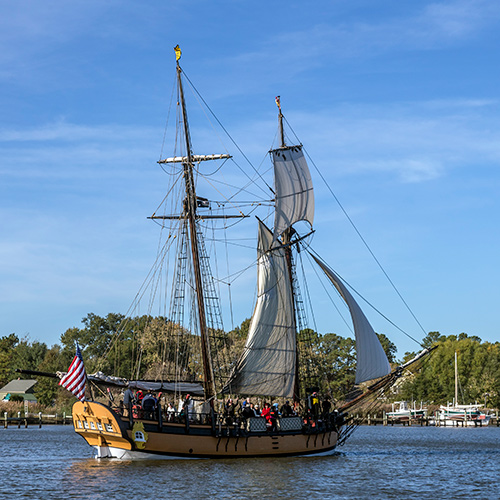 Historic Chestertown: With a Cruise on the Schooner Sultana